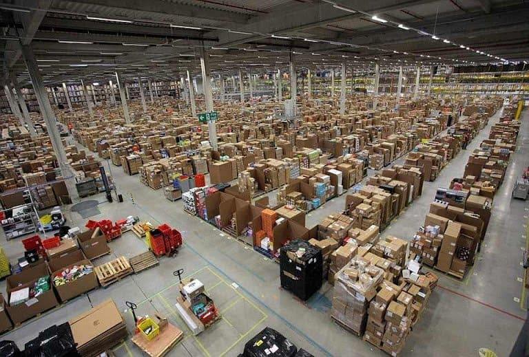 מחסן הסחורות של אמזון